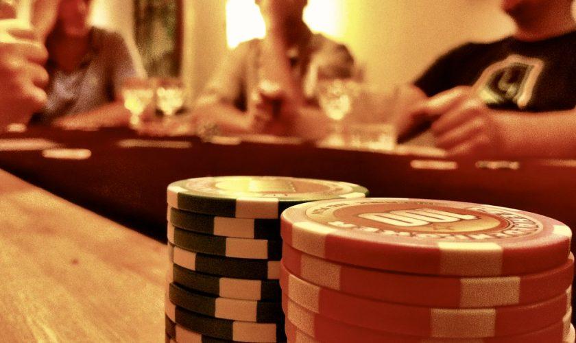 Música para una velada con amigos jugando Póker